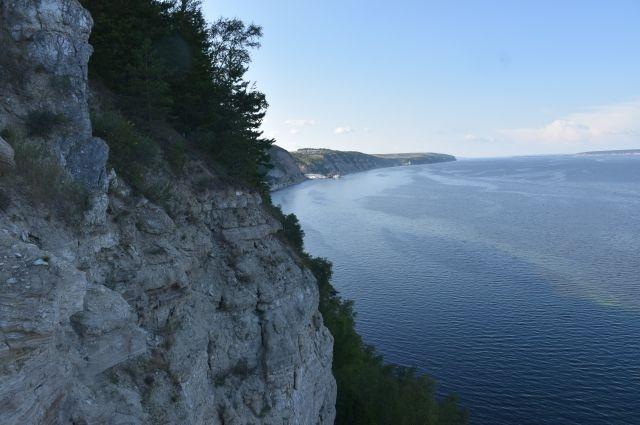 Чистейший воздух, безбрежное водное пространство, леса и степи, горы, пещеры, которым сотни миллионов лет – на побережье в Поволжье ничего подобного точно нет!
