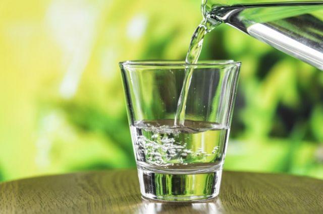 Пять причин, почему нужно пить воду утром