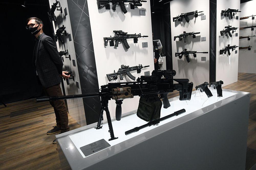 Прототип нового ручного пулемета РПЛ-20, который представляет собой принципиально новую разработку с калибром, уменьшенным до 5,45 миллиметров.