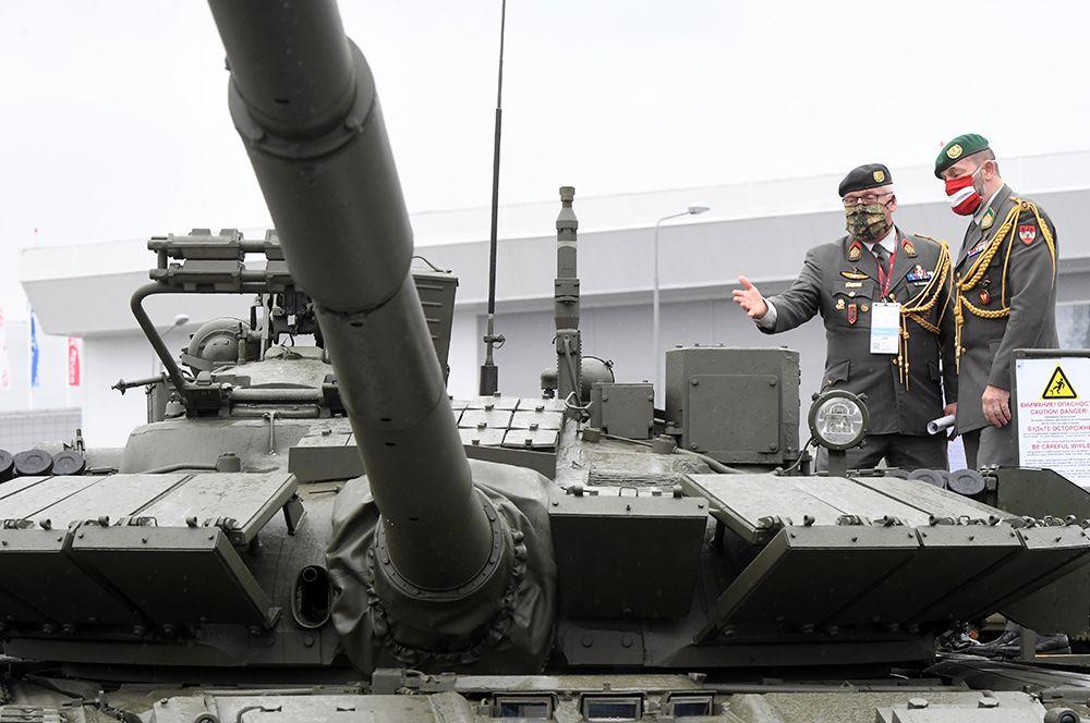 Основной боевой танк Т-80БВМ, представляющий собой модернизацию танка Т-80БВ. По сравнению с предшественником Т-80БВМ обладает расширенными ударными и оборонительными возможностями. Кроме того, у танка усовершенствован газотурбинный двигатель.