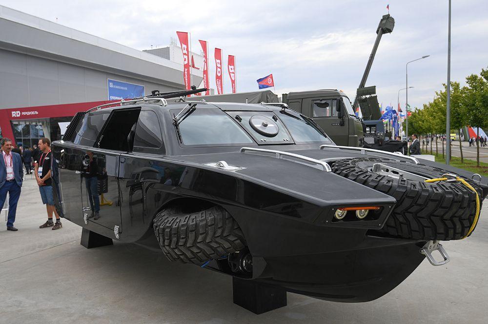 Автомобиль-амфибия «Дрозд».