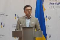 Контакты с Беларусью поставлены на паузу, - Кулеба