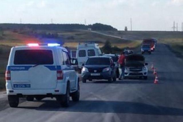 На трассе в Оренбуржье в ДТП с 4 машинами пострадал ребенок.