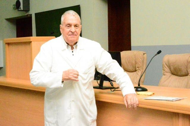 Заслуженный врач России, анестезиолог-реаниматолог Анатолий Рудаков.