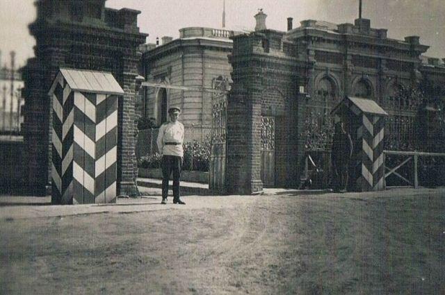 Дом Батюшкиных, лето 1919 года. В августе он пострадает от взрыва.