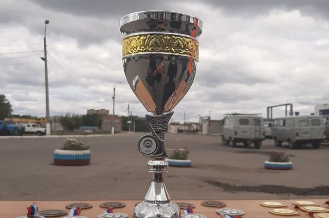 Кубок победителю соревнований