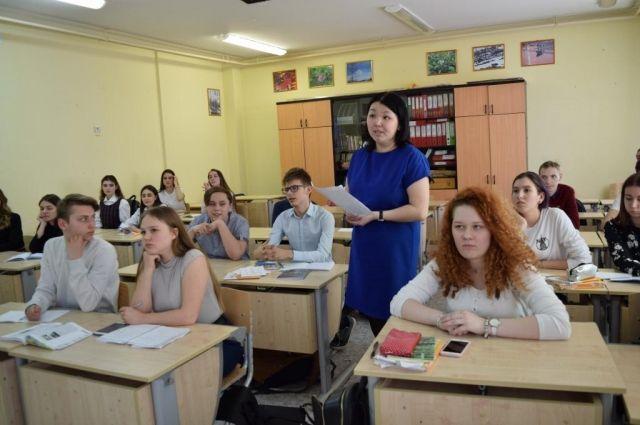 В Салехарде 309 педагогов получат выплаты за классное руководство