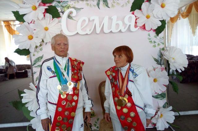 Николай Михайлов и его супруга Лидия занимаются бегом вместе