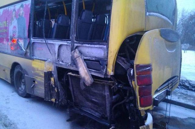 ДТП с автобусом № 68, в котором ребёнку отрезало голову оргстеклом, произошло в 2018 году.