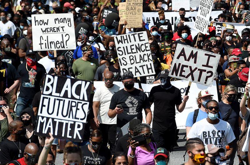 Марш против расовой дискриминации в Вашингтоне.