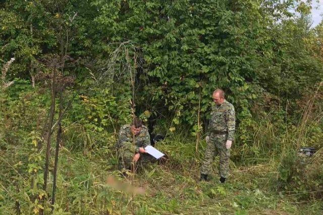 Тело ребёнка нашли в зарослях травы в 100-150 метрах от дома.
