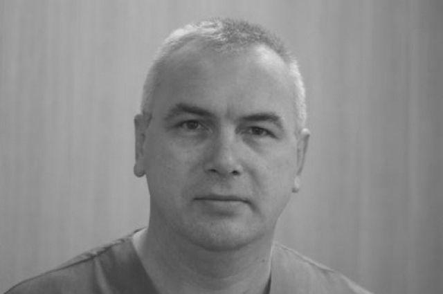 В Оренбурге простились с завотделением перинатального центра Алексеем Симоновым.