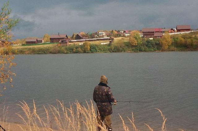 Рыбаку придётся заплатить за правонарушение 15 тысяч рублей.
