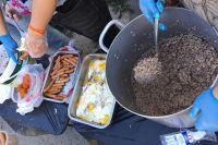 Светлана вместе с волонтерами организует бесплатные обеды для бездомных людей.