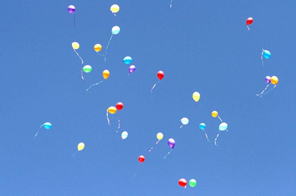 И главное, чтобы каждый школьник, будь ему хоть 7, хоть 17 лет, оставался счастливым и здоровым!