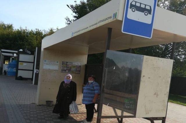 Нижнекамцы жалуются, что автобусы не приходят целый час.