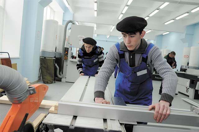 В сентябре в регионе начинает работать Центр опережающей профессиональной подготовки, в котором более 1,3 тыс. человек смогут обучиться востребованным специальностям.