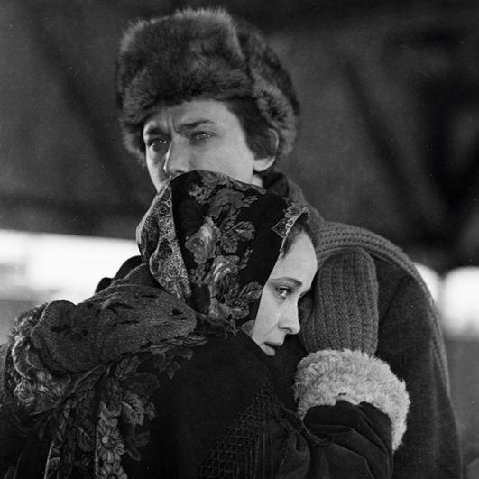 Игорь Старыгин и Ирина Печерникова на съемках кинофильма «Города и годы» Александра Зархи, 1973 год.