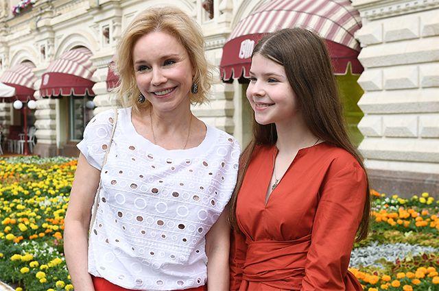 Марина Зудина с дочерью Марией Табаковой. 2020 г.