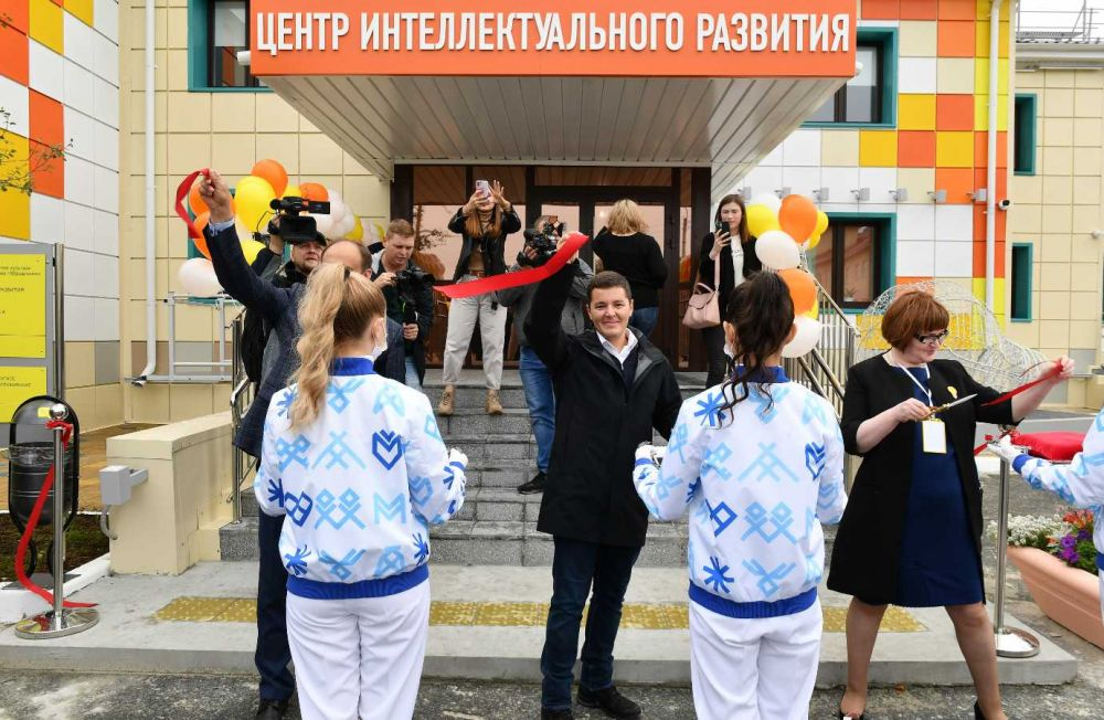 Поездка Дмитрия Артюхова по округу. Муравленко. 19.08.2020