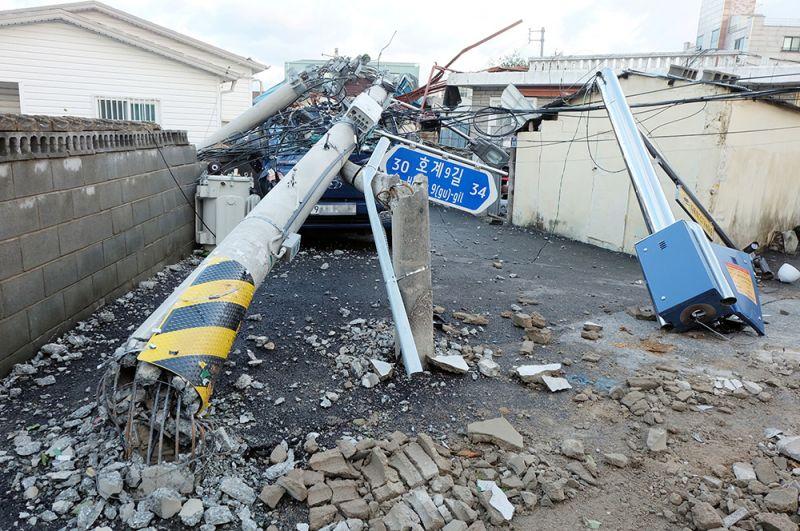 Разрушения в городе Улсан.