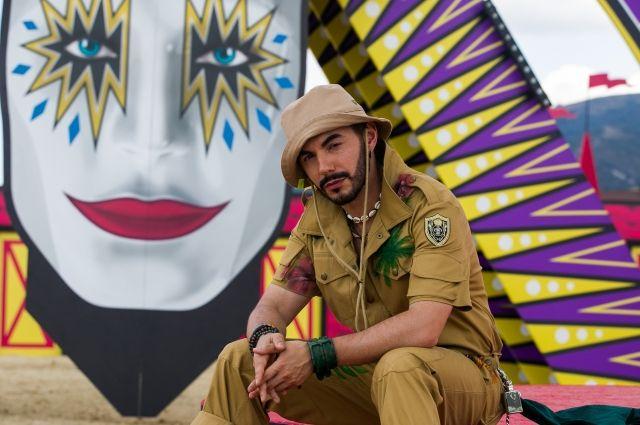 Тимур Родригез на съемках шоу в Геленджике.