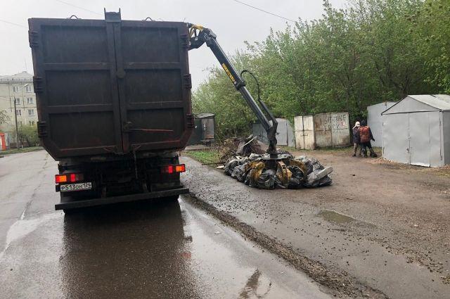 За 8 месяцев текущего года потратили на вывоз мусора 3,27 млн рублей.