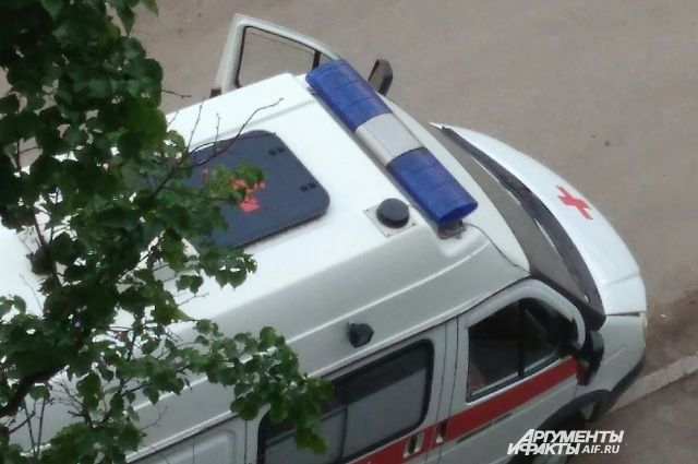 В Воткинске водитель иномарки сбил женщину с ребенком на руках