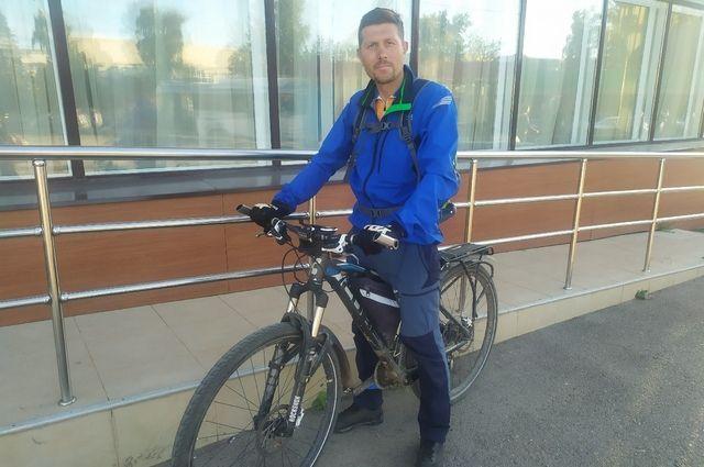 «Я его не узнал». Велосипедист из Уфы – о встрече с Юрием Дудем на Кавказе