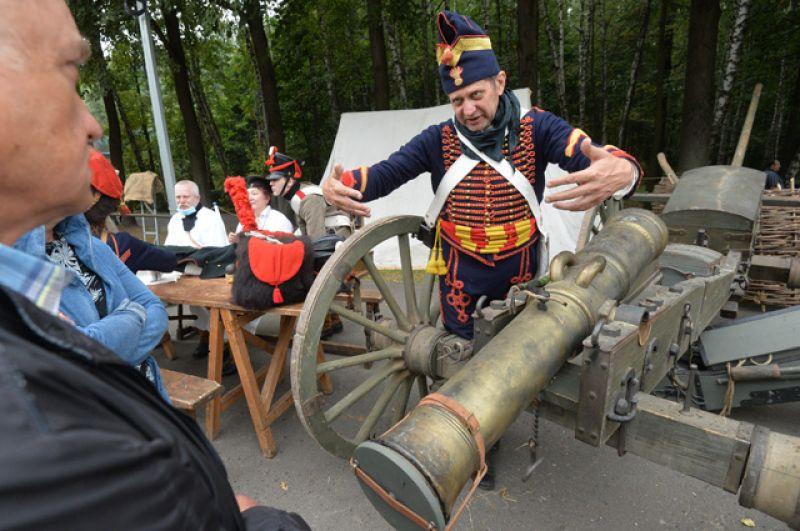 Участник реконструкции сражения наБерезине Отечественной войны 1812 года.