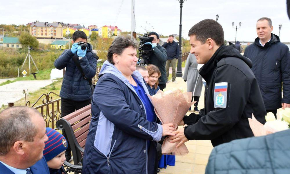 Дмитрий Артюхов наградил медиков
