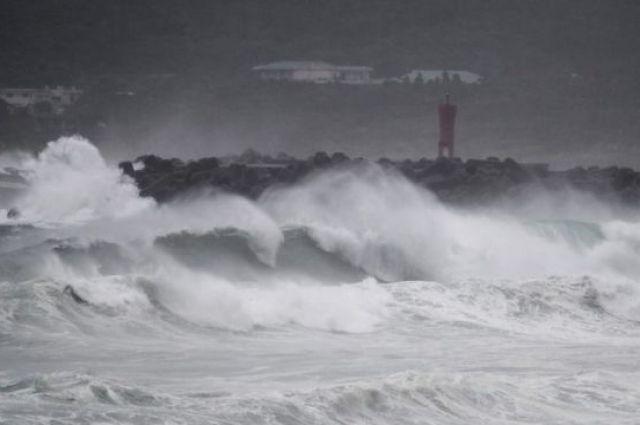 В Японии эвакуируют население из-за сильного тайфуна