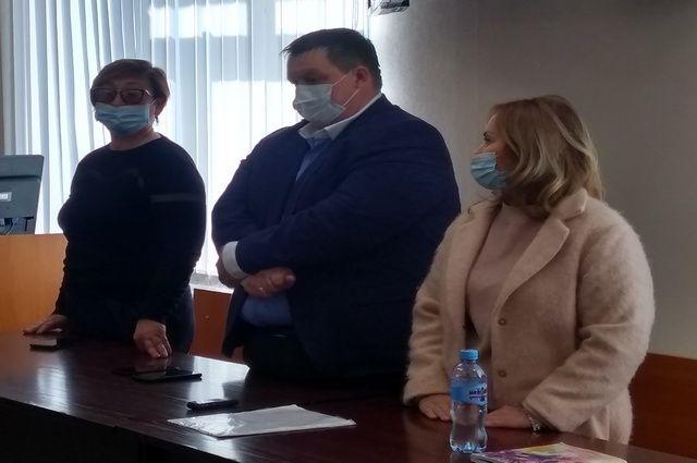 Элина Сомова в зале суда (крайняя справа)