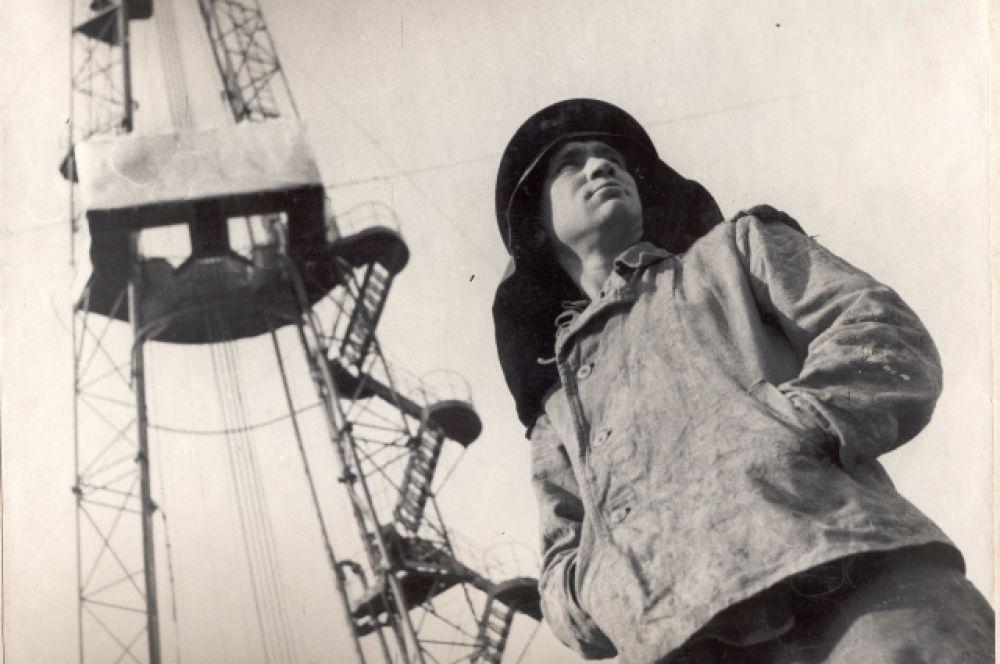 Буровик Шаимской конторы бурения. 1960 год