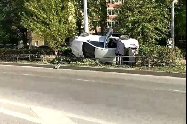 По предварительной информации, в результате аварии никто не пострадал.