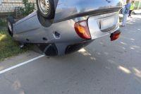 В Соль-Илецке ZAZ Chancе встал на крышу в результате столкновения с Opel.