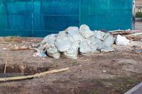Тюменцы жалуются на запах от контейнеров из-за шкур и останков животных