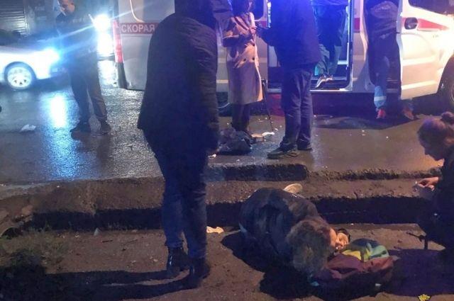 Девушки-пешеходы отлетели от авто на 10 метров в ДТП в Новосибирске