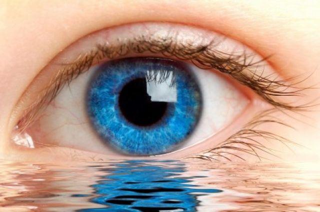 Дергается глаз: откуда берется глазной тик и что делать