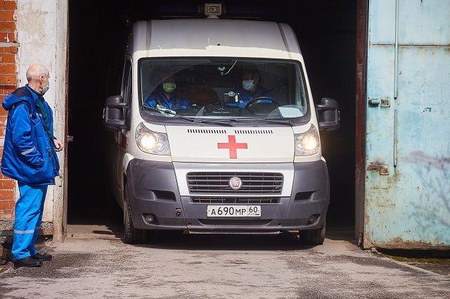 На протяжении последних лет в Псковской области улучшали матчасть службы скорой помощи, закупая новые машины и оборудование.