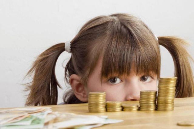 Безработные родители в Башкирии в сентябре получат доплату на детей