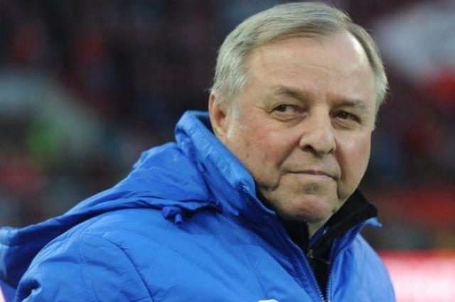 Александр Тарханов - легендарный футболист и тренер.