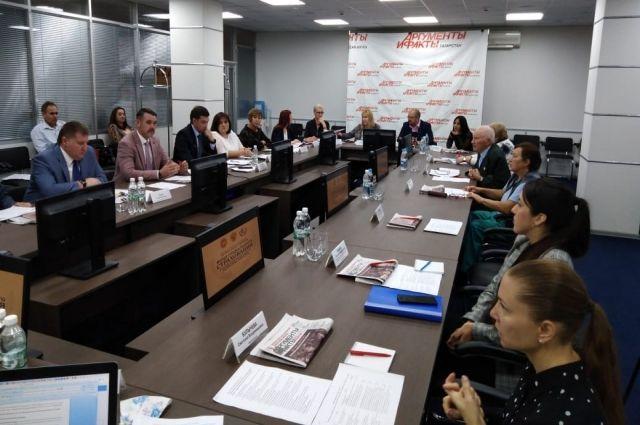 В круглом столе приняли участие представители отделения ФСС РФ по РТ, Бюро медико-социальной экспертизы по РТ, Уполномоченного по правам человека в республике, общественных организаций.