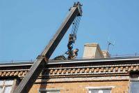 В Оренбурге строители незакончили капитальный ремонт крыши в многоквартирном доме.