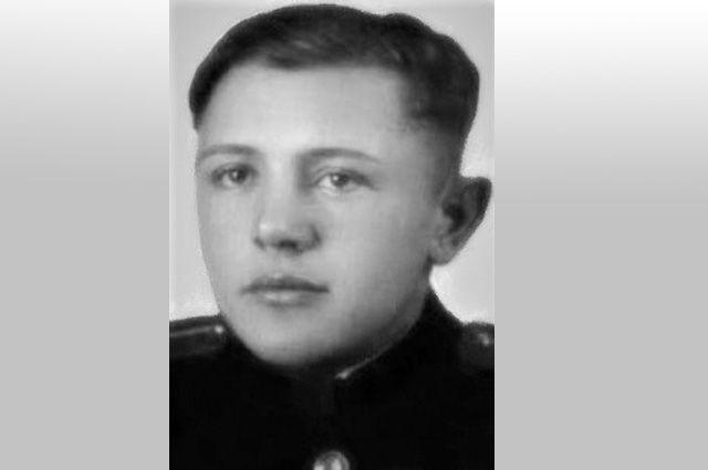 Александр Курзенков.
