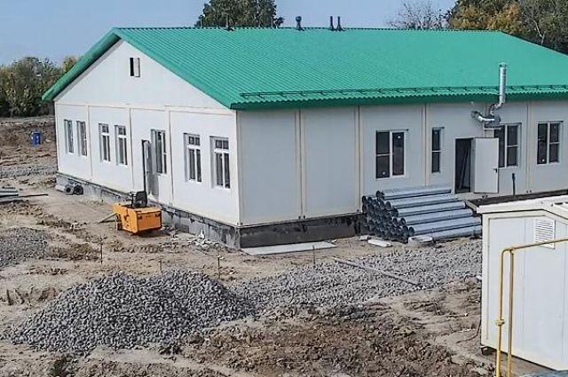 Работы проводятся по региональной программе замены деревянных зданий.