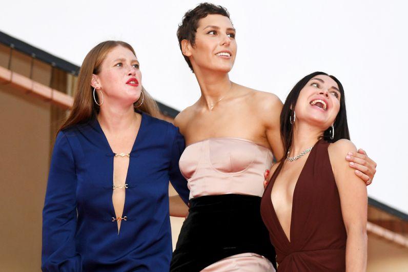 Актрисы Варвара Шмыкова, Ирина Горбачева и Ирина Носова (слева направо)