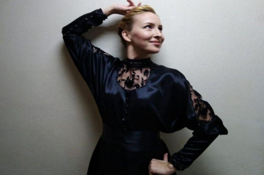 Артистка Ксения Храмова.