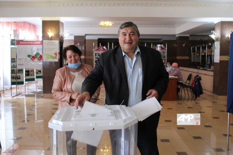 В Актанышском районе на 12.00 13 сентября проголосовали 72,05% избирателей.