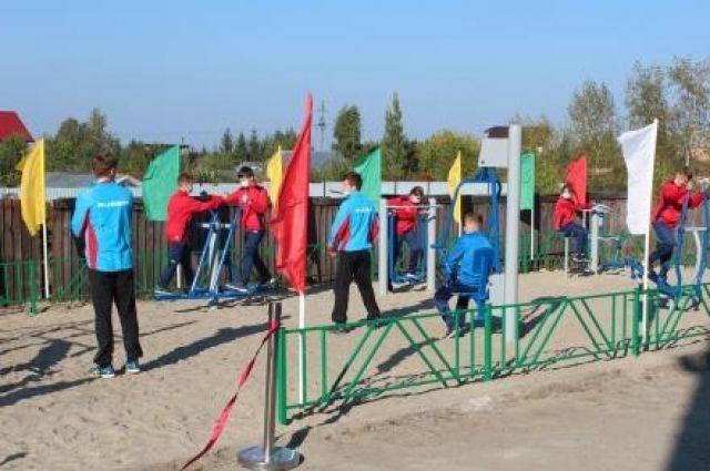 По просьбе жителей в Тюменском районе появилась очередная workout-площадка